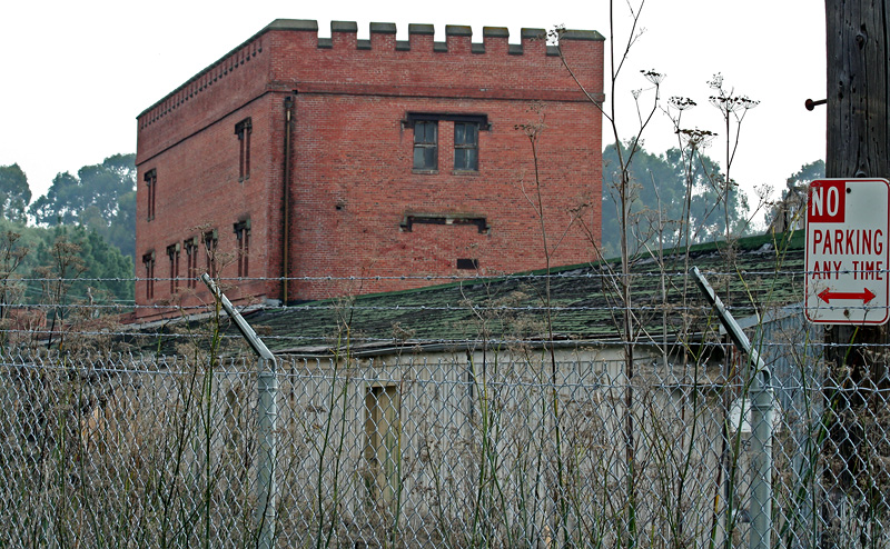 Part of the old winery <a href=http://tinyurl.com/ywr8fl target=_blank>Winehaven</a>