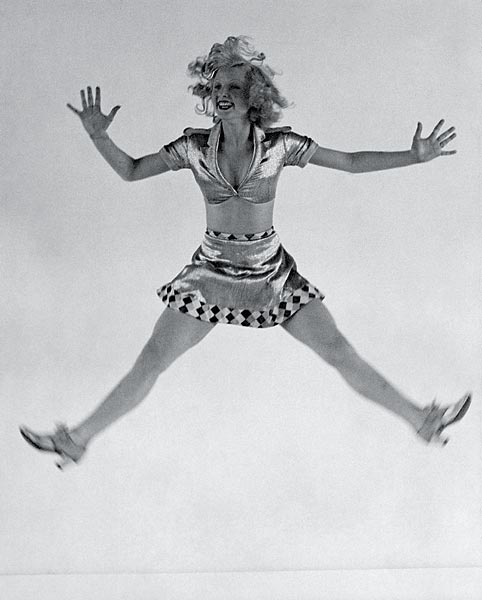 Operetta soubrette Rosi Barsony in her entrancing grotesque dance
