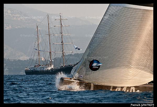 Louis Vuitton Trophy PG31807.jpg