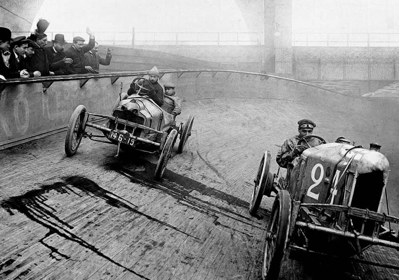 1909 - The race is on