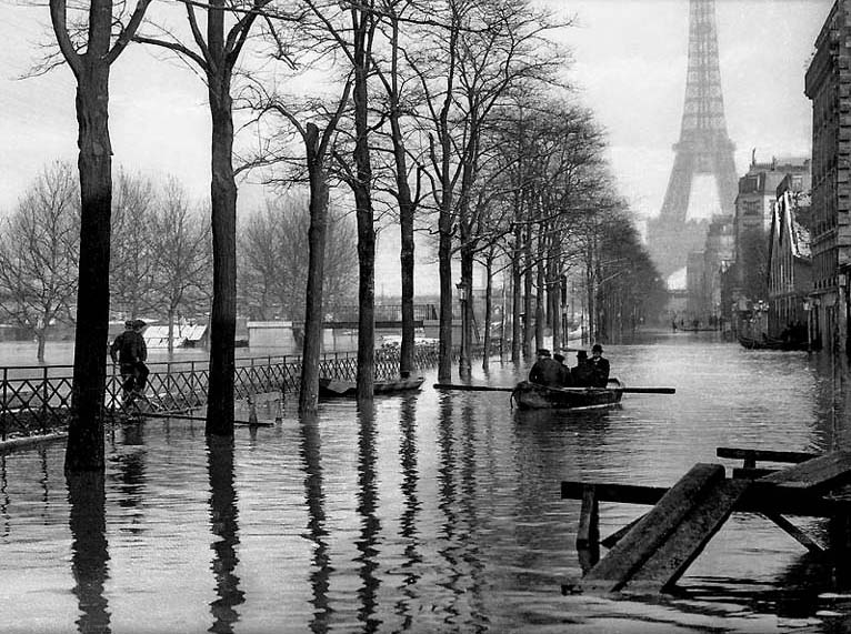 1910 - Quai de Javel during the great flood