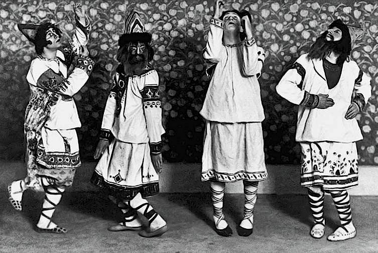 1913 - Dancers in Le Sacre du Printemps (The Rite of Spring)