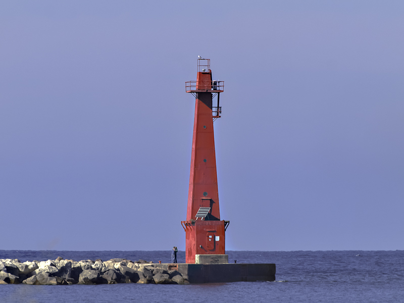 This light sits on the Muskegan, MI South Breakwater