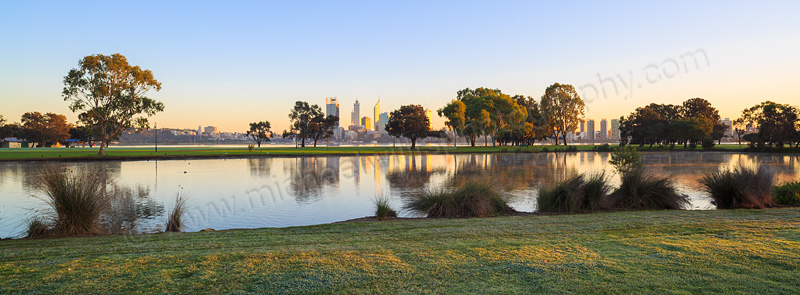 Sunrise by the Swan River, 9th July 2015