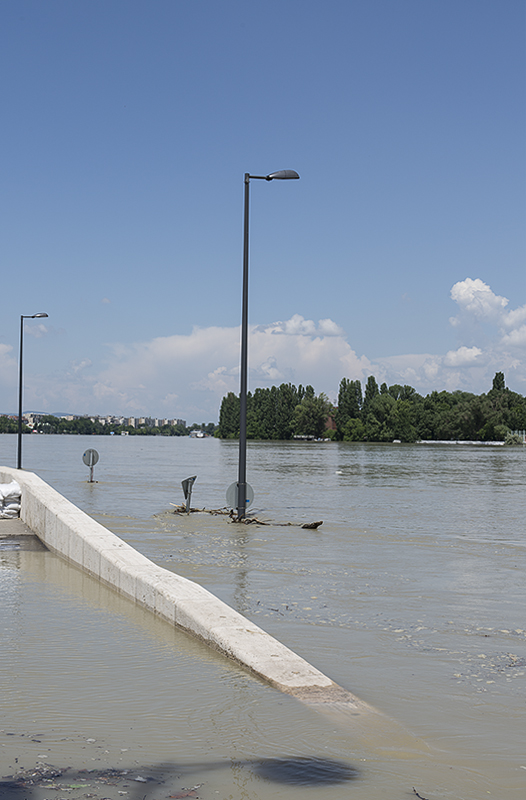 River road entrance
