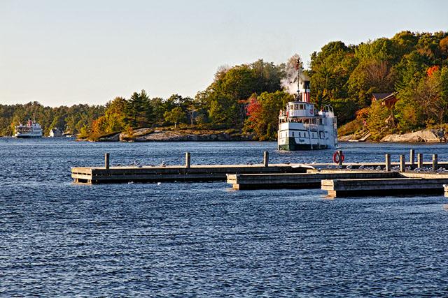 RMS Segwun, leaving dock