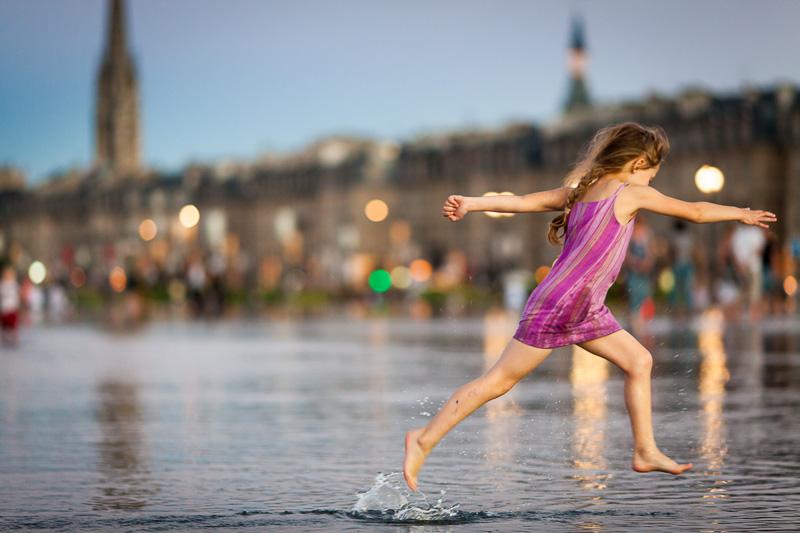 Girl - Bordeaux