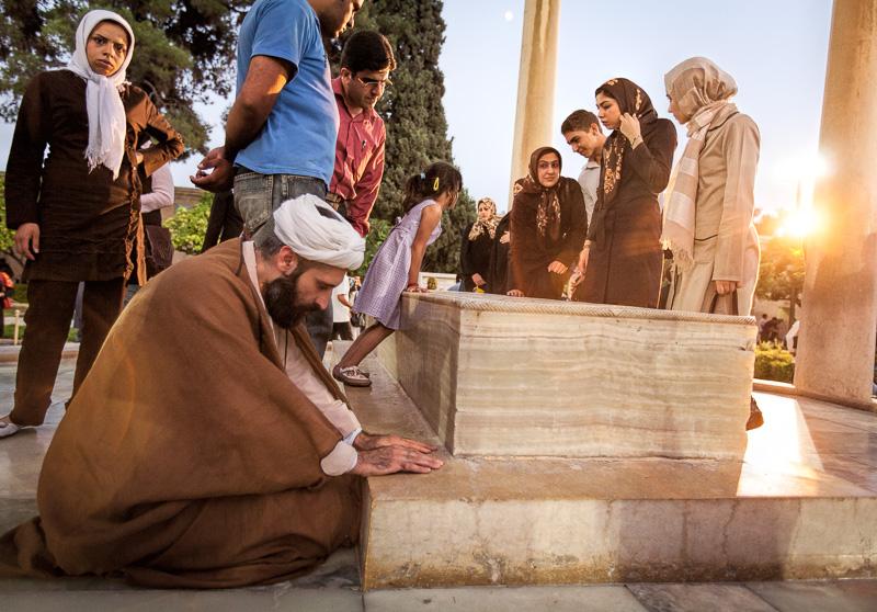 Akhond praying at Hafezs tomb - Shiraz
