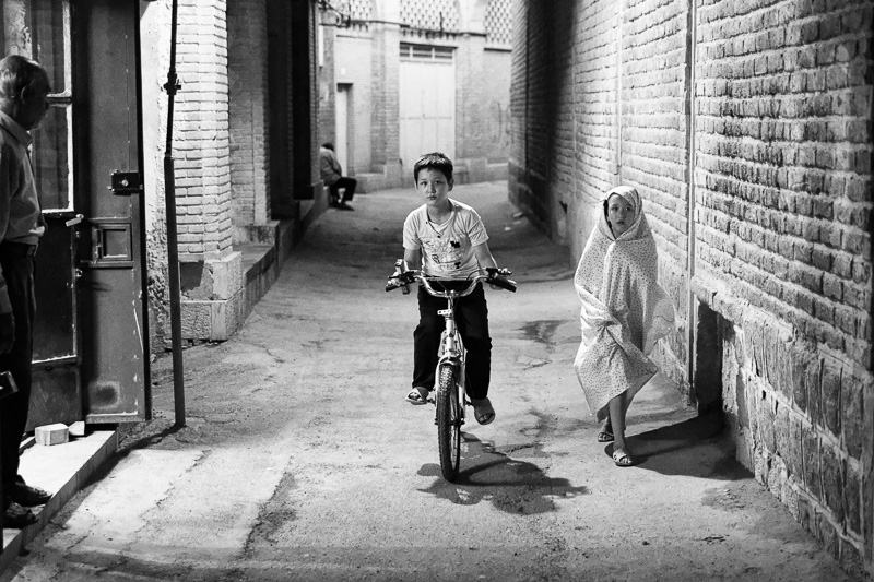Children in alley - Shiraz
