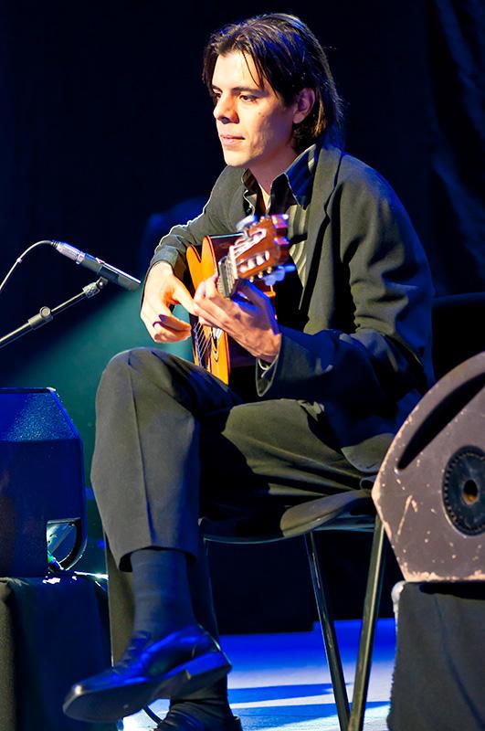 Guitarist Of Carmen Linares