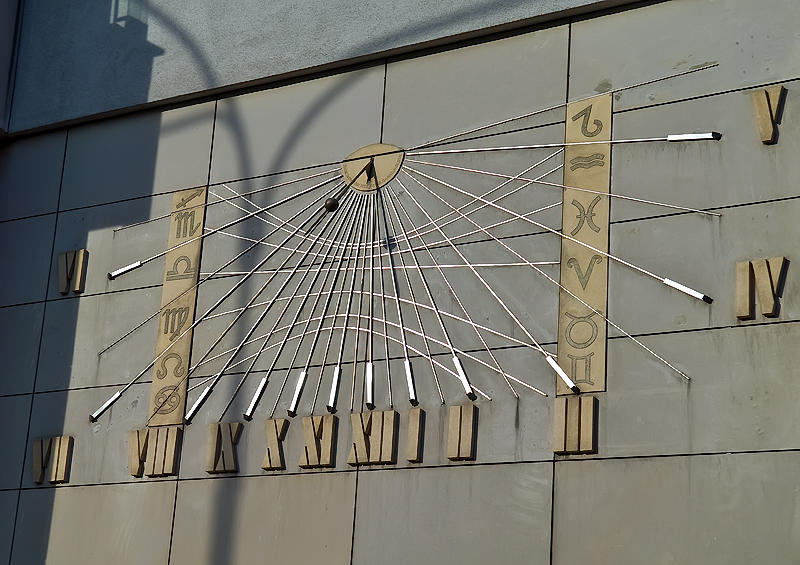 Sunny Sundial