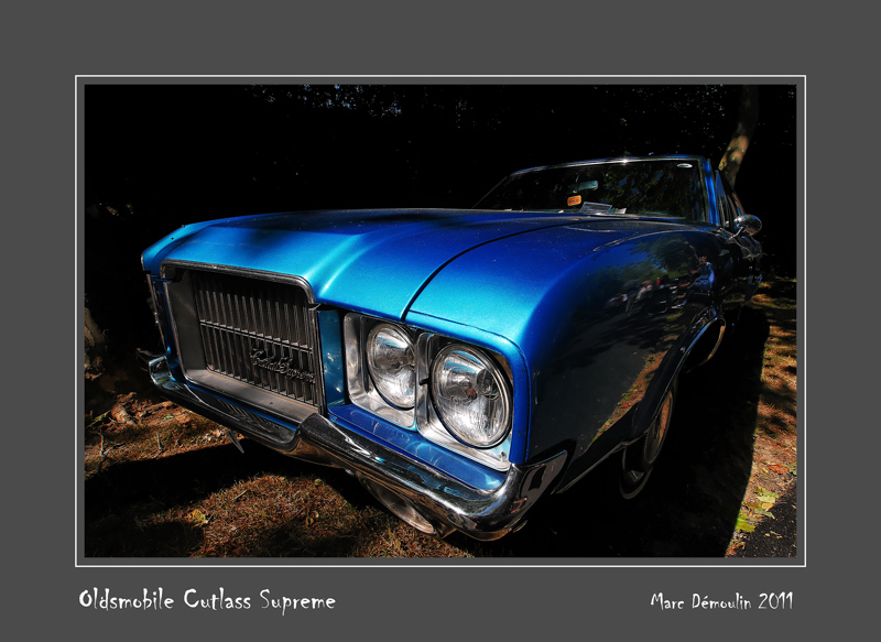 OLDSMOBILE Cutlass Supreme Bernay - France
