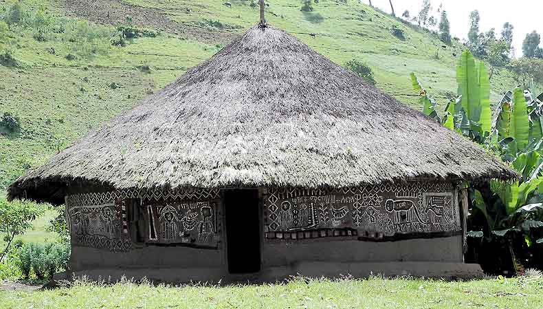 Benji hut with wall paintings. Ethiopia.