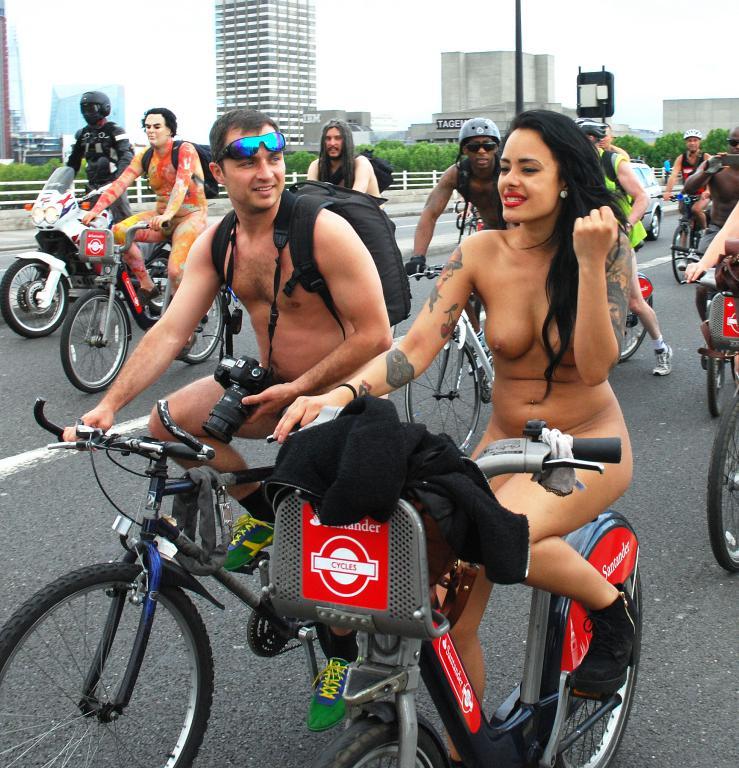 Pbase naked cyclists