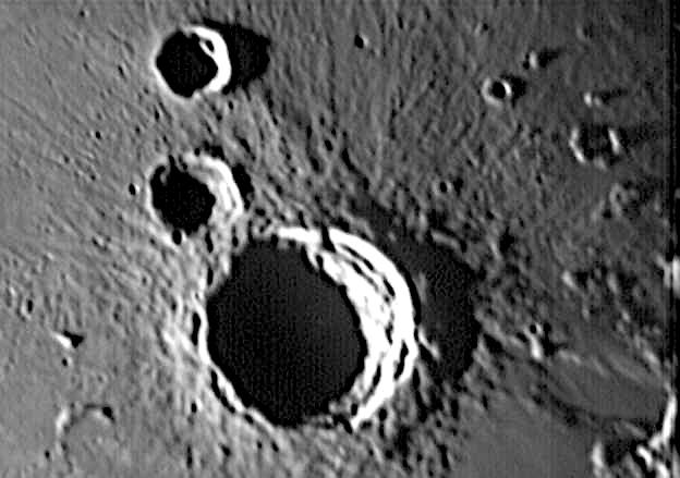 moon9avi.jpg