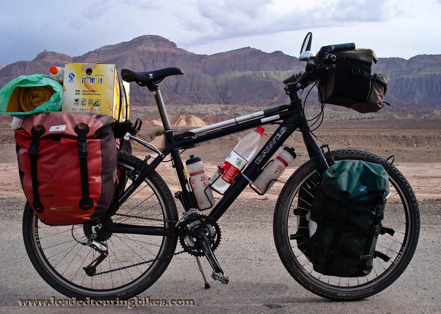 443    Chris touring China - Dawes Sardar touring bike