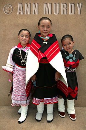 3 Girls from Isleta Pueblo