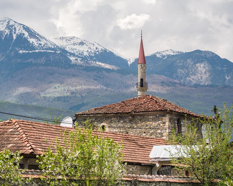 Minaret and mountains, Isniq
