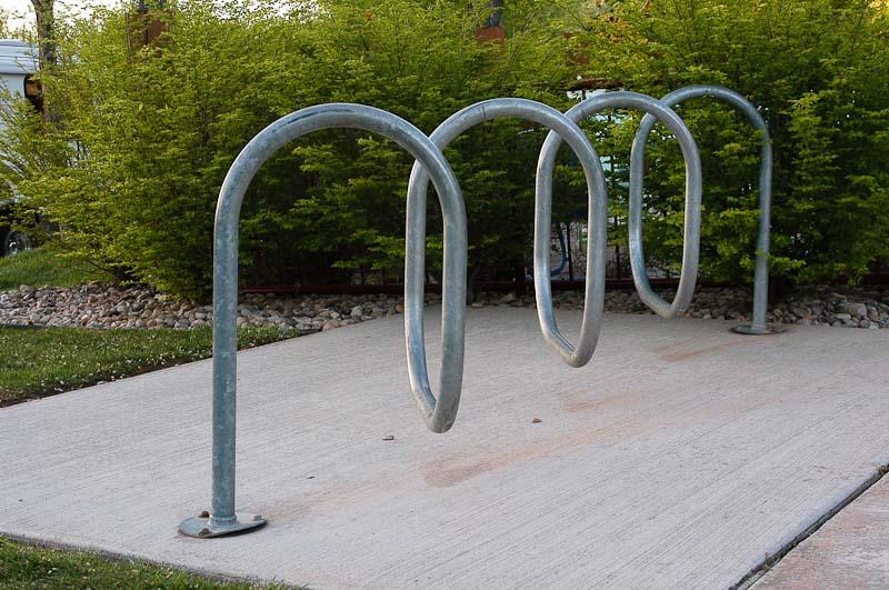 Dizzy bike rack pipe