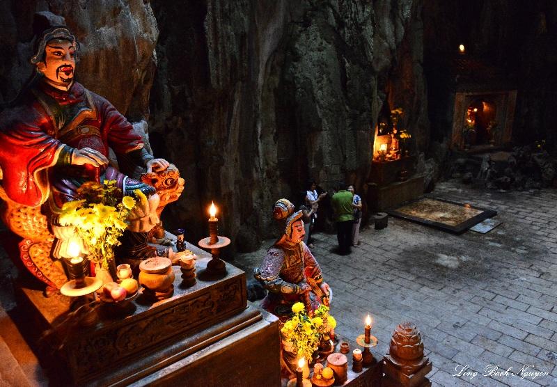 deities, Huyen Khong cave, Marble Mountains, Da Nang, Vietnam