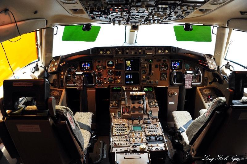 Air Force 2 Cockpit,  80002, Boeing 757, Boeing Field, Seattle