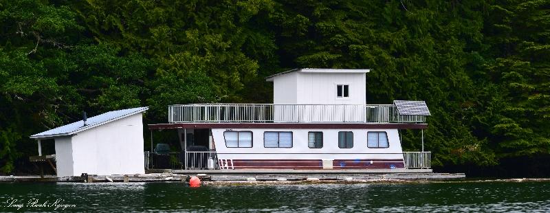 RV floating Cabin, Julia Passage, Barkley Sound, Vancouver Island, Canada