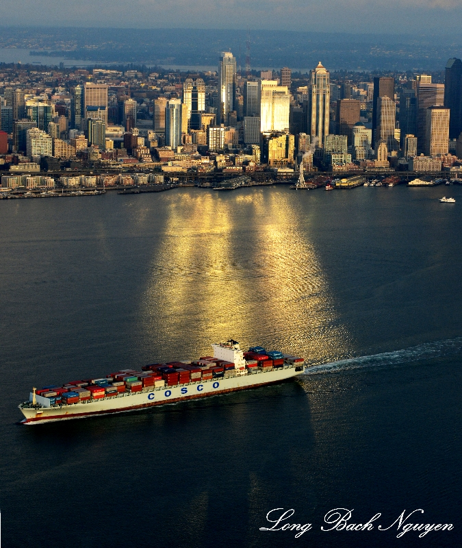 Leave Port of Seattle, Seattle Skyline, Washington