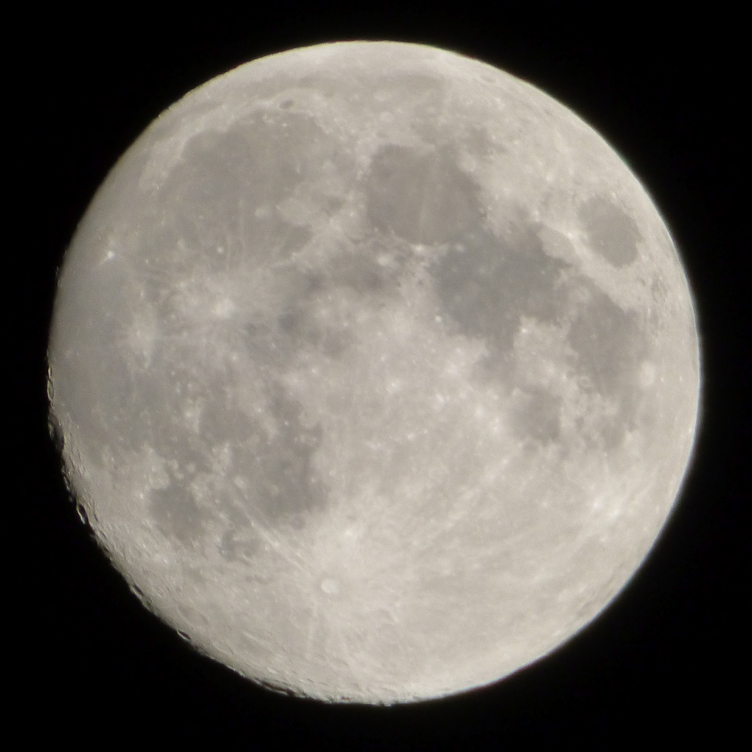 Full Moon - hand-held P1000266.jpg