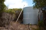 Gravity feed water tank