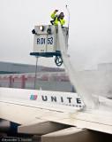 De-icing aircraft