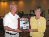 CLASSIC RUNABOUT - 1st - 1957 19' Chris-Craft CLASSIC II Gail Pisa, accepting for Harry Winter
