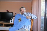 Barry gets a Mr MOE t shirt and a new lens