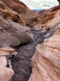 Hiking in Mosaic Canyon