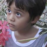 Joseph in de bloemetjes.