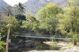 El Rio Shutaque Divide en Dos la Poblacion