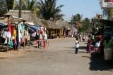 Calle Principal Paralela a la Playa Publica