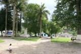 Parque Frente a la Iglesia Catolica