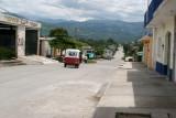 Calles muy Amplias Caracterizan a la Poblacion