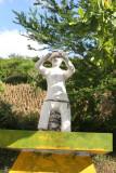 Singular Escultura Localizada en el Ingreso al Poblado
