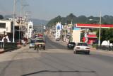 Calle Principal de Ingreso a la Ciudad