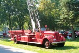 ANTIQUE AND CLASSIC CAR SHOWS