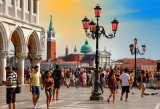 Vertical waves: a colorful Postcard from Venice for all PBasers!