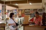 1737 Selling art in Papeete
