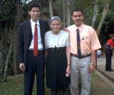 David, Amparo y Jose 2002