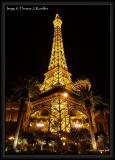 Eiffel Tower at Paris.JPG