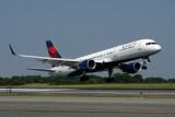 DELTA BOEING 757 200 JFK RF IMG_7652.jpg