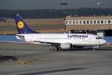 LUFTHANSA BOEING 737 500 FRA RF 445 11.jpg