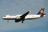 LUFTHANSA AIRBUS A320 LHR RF 1078 6.jpg