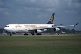 SINGAPORE AIRLINES AIRBUS A340 300 SIN RF 1142 35 24.jpg