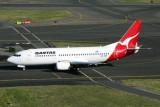 QANTAS BOEING 737 300 SYD RF IMG_1402.jpg